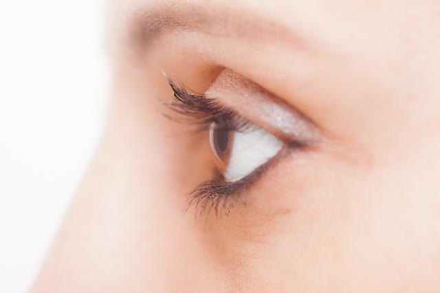 紫外線で目からも日焼けする?目の日焼け対策とサングラスの選び方もご紹介!