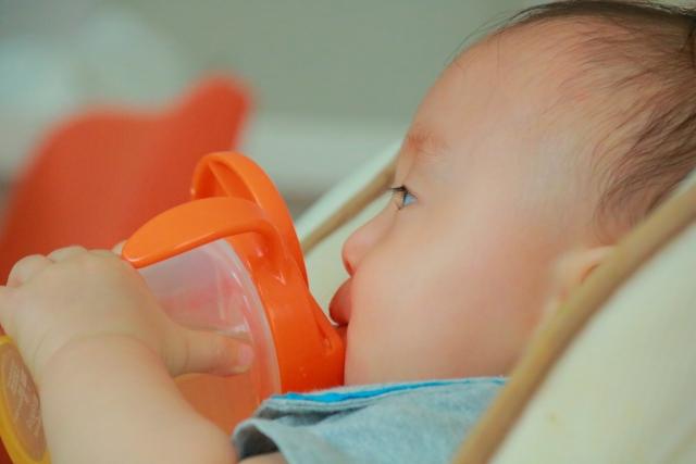 ストローマグで洗いやすい、おすすめのものはコレ!2歳頃からはマグより楽なアレを使おう!