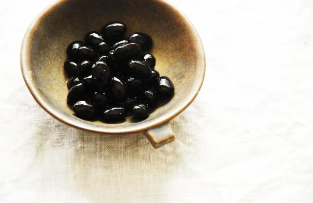 1歳でおせちの黒豆は危険?いつからいいの?離乳食期の食べさせ方もご紹介!