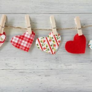 赤ちゃんの娘からバレンタインにパパへプレゼント!カードの手作りも一緒に♪